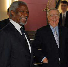 Former U.N. Secretary-General Kofi Annan and former U.S. Vice President Walter Mondale, co-chairs of BFA's Jack Mason Law & Democracy Initiative.